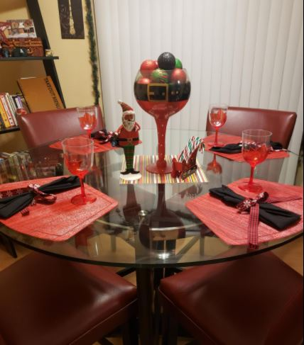 round table setting for placemats