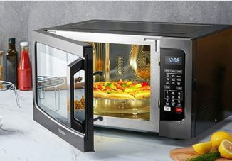 Which Food Can a 700 Microwave Oven Cook